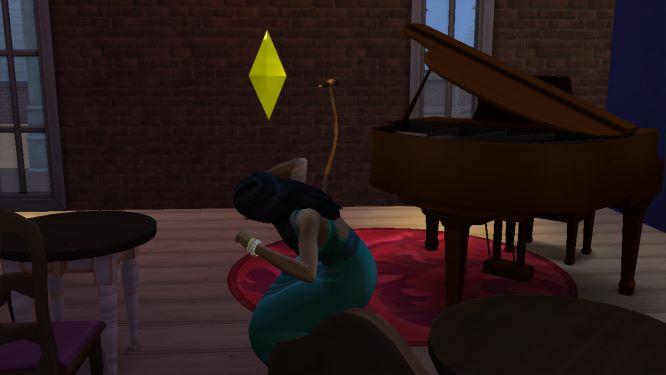 137 Elodie est heureuse danser sur la musique de la chaine hifi 1.jpg